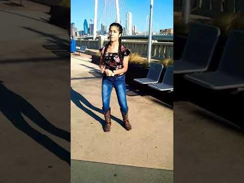Bailando la Pantera Rosa estilo huapango  2018 desde Dallas Tx 💖💃🐎