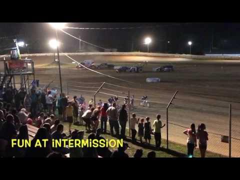 Chandler Motorsports Park - Scrapper racing action