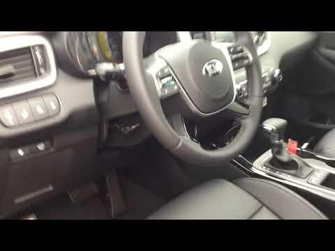 This is  Kia Sorento Ex-V Premium For Shibu