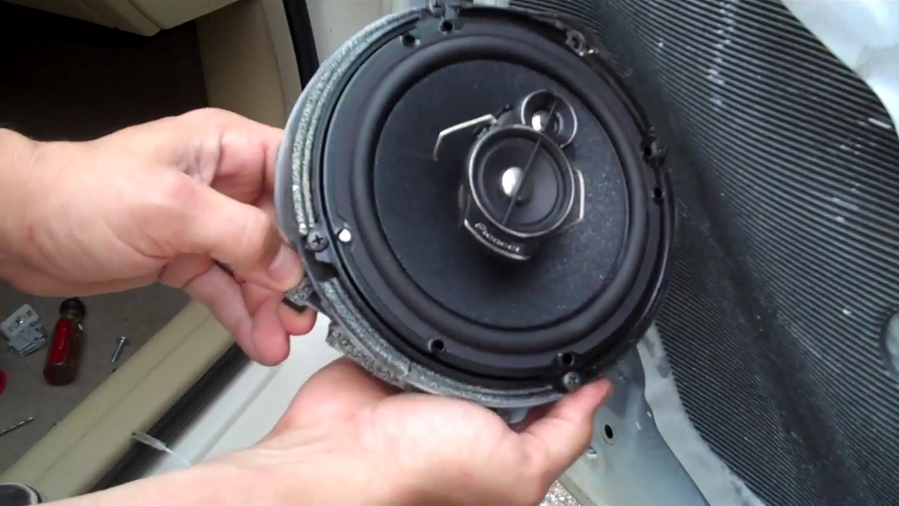 2004 honda civic coupe speaker size