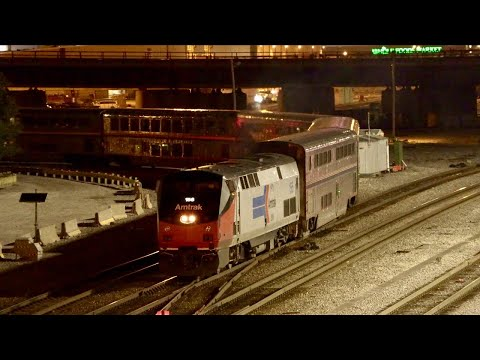 Spectacular Chicago Skyline and Amtrak City of New Orleans [4K 60FPS]