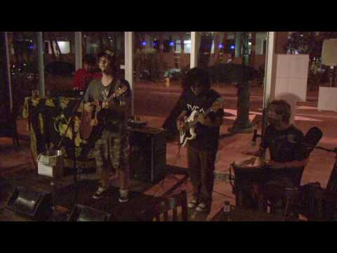 The Good Vibes - Picture On The Wall (Groundation Cover) Live @ Spada