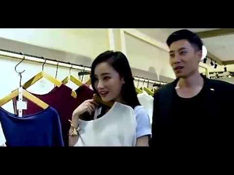 富豪�扮窮人帶女�買高檔衣�被店員嘲笑買�起