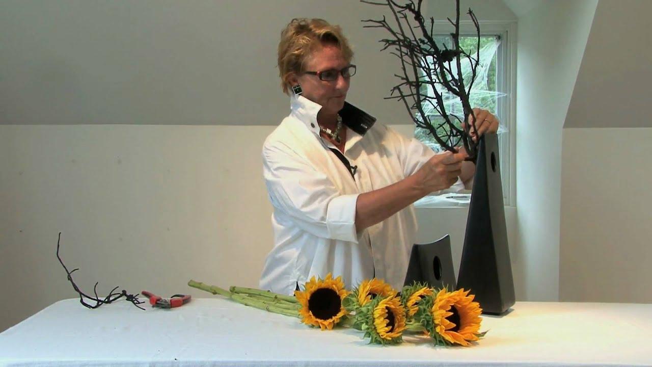 Halloween flower arrangement with just a few flowers youtube izmirmasajfo