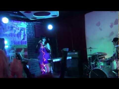 Zero Zero - Tear It Up - 05-2012 - LIVE