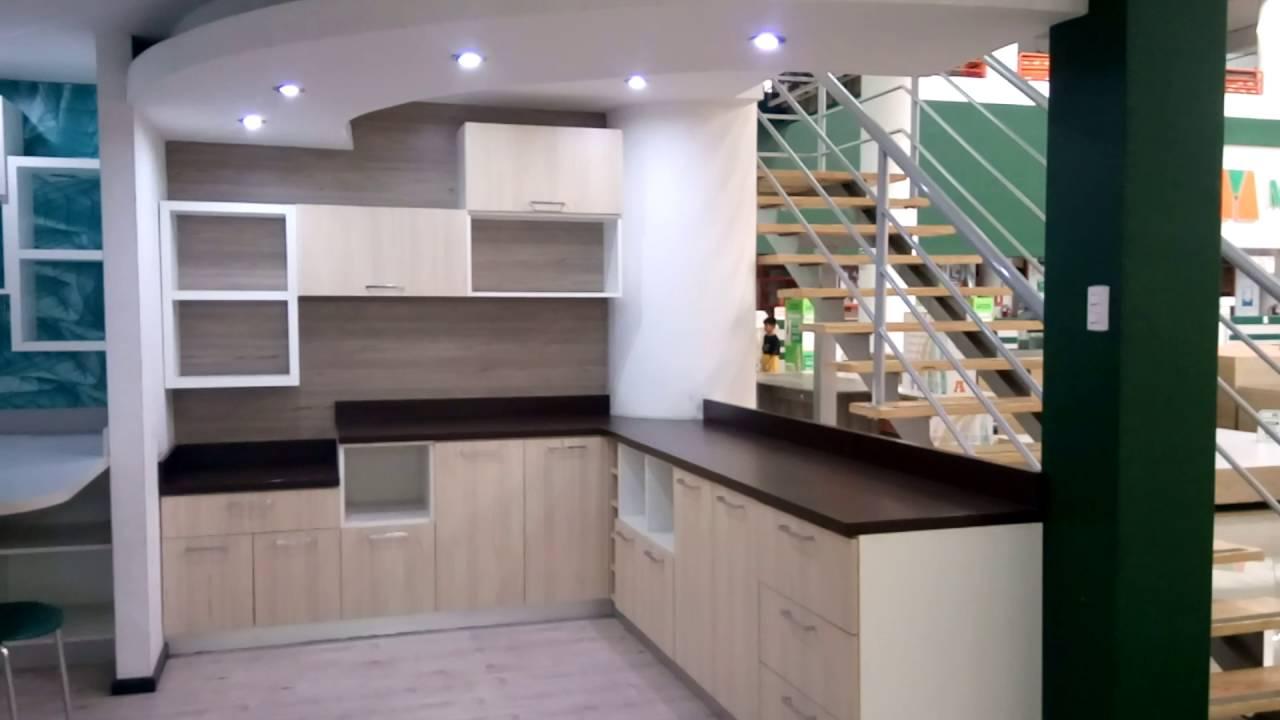 Visita a una tienda de materiales de melamina muebles de for Materiales de cocina