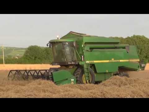 Harvest 2016 John Deere 2256 Combine Harvester