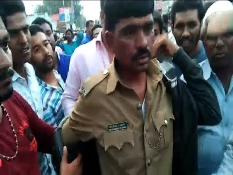 Gadag | Police Beaten By Public Very Badly | Suvarna News