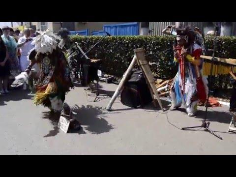 видео: День города в Арзамасе 18.07.2015г. Песни и танцы Индейцев!