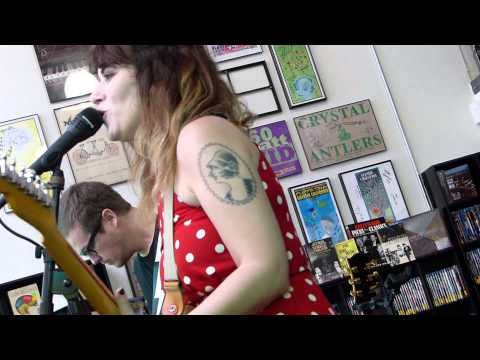 Best Coast - Something In The Way LIVE HD (Record Store Day 2013) Long Beach Fingerprints