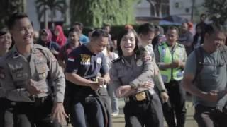 FLASH MOB POLISI & MASYARAKAT - POLISI SAHABAT MASYARAKAT - POLRES CIREBON