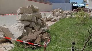 На новом доме для переселенцев с Цементной слободки меняют отмостку