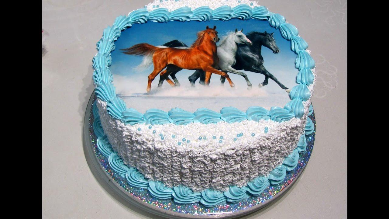 всё-таки украшение торта кремом и сахарной картинкой съемкой просто поморгайте