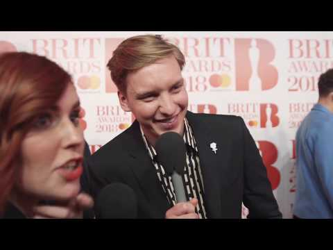 George Ezra BRITs 2018 red carpet full interview | Magic Radio Mp3