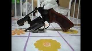 "04-revolver Taurus .38 ""buldogue"""