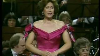 """Dame Kiri Te Kanawa sings """"Frühling"""" - Vier Letzte Lieder - Richard Strauss"""