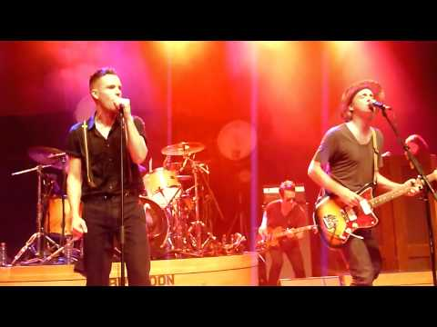 Brandon Flowers & Fran Healy - Side (Travis Cover) @ Capitol, Offenbach
