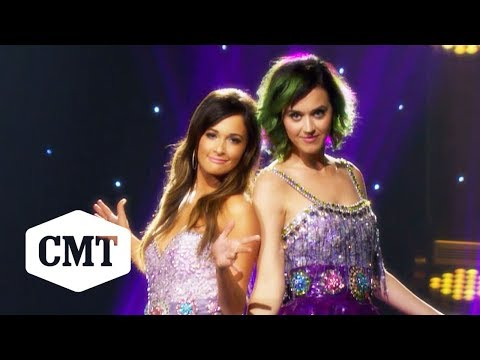 """Katy Perry & Kacey Musgraves Perform """"Here You Come Again"""" 