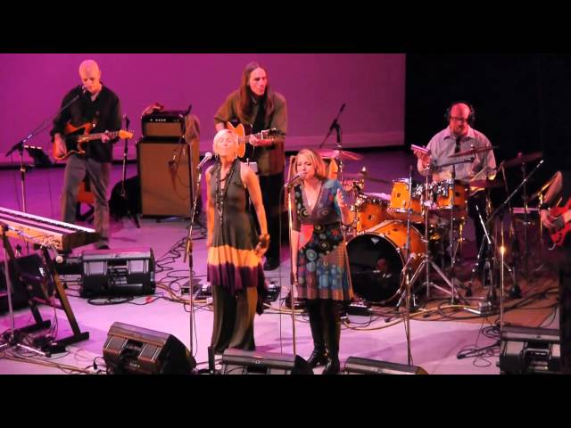 The Hummingbird Collective-Lisa Bell, Janis Kelly & Friends