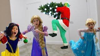 ГРИНЧ ИСПОРТИЛ новогоднюю ЕЛКУ РАПУНЦЕЛЬ и Белоснежки! Гринч ПРОТИВ Принцесс Дисней!