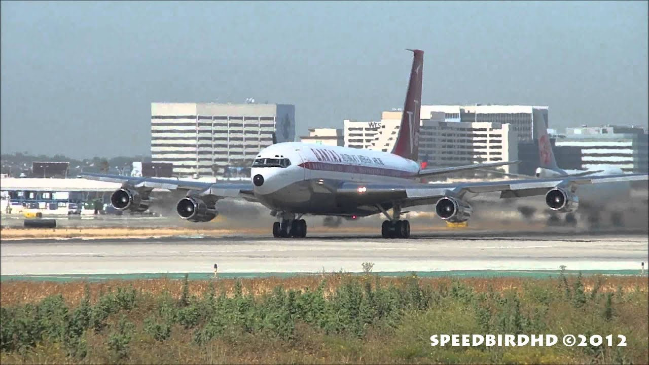 John Travolta S Private Boeing 707 138b N707jt Takeoff From Los Angeles Youtube