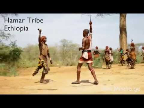 Hamar whipping . Travel in Ethiopia