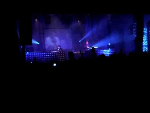 Miss Kittin & The Hacker live! Ping! Poznań!