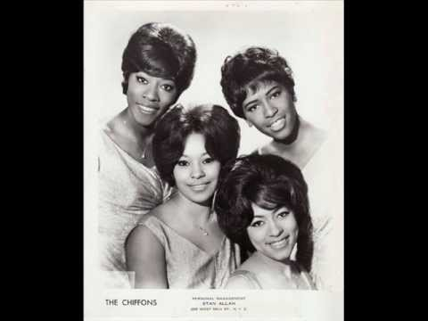 THE CHIFFONS (HIGH QUALITY) - HE'S SO FINE *Alternate version*