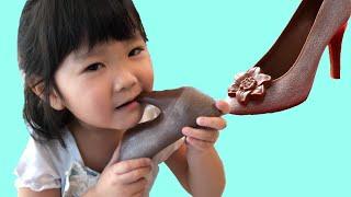 プリンセスごっこ遊び!シンデレラが靴をたべちゃった!?チョコレートシューズ  Cinderella ate shoes!!