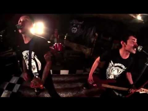 THE BULLHEAD - Tentang Kita [Official Video]