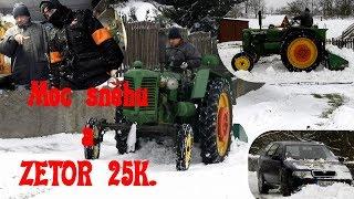 Sněhu moc. ZETOR 25K. a Bez Kompresáci jako asistenti.