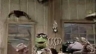 Repeat youtube video Sesame Street - EVERYBODY FREEZE!