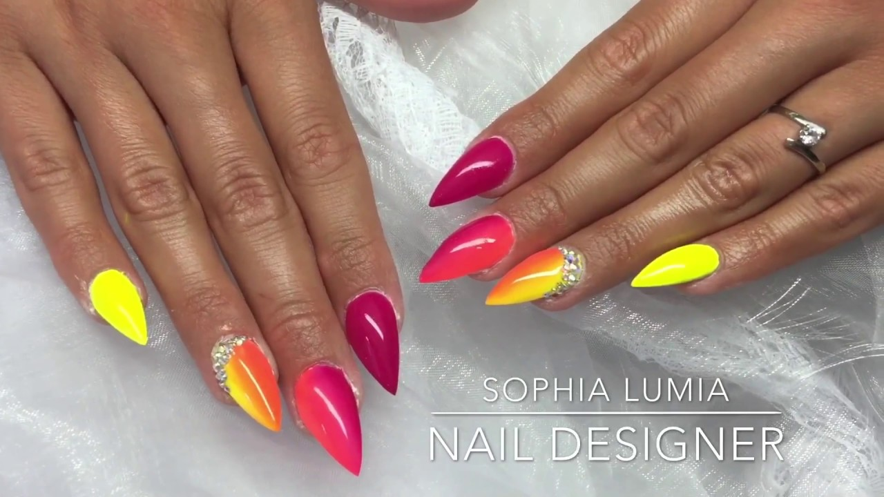 pose d 39 ongles en gel artistique et fluo t 2017 by sophia lumia youtube. Black Bedroom Furniture Sets. Home Design Ideas