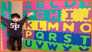 Repeat youtube video Learn Letters of the Alphabet for Toddlers and Children