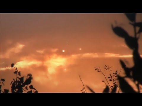 Disturbing UFO Event! Multiple UFOs or Explosions over France, Oct 2016