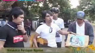 Wali Band Turun Kejalan Ngamen Untuk Seorang Bayi Malang - cumicumi.com Mp3