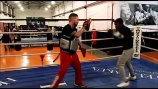 El boxeador Fran Mendoza entrena en Gasteiz Sport thumbnail