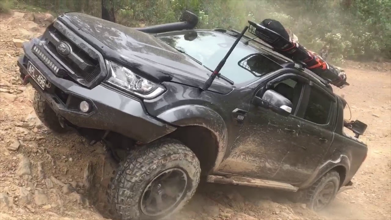 Twin Locked Hilux Rear Locked Ford Ranger Momentum Vs Crawl Hill Climb Challenge