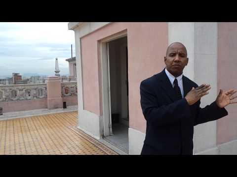 Cabral o simpático e divertido guia turístico do Edifício Martinelli