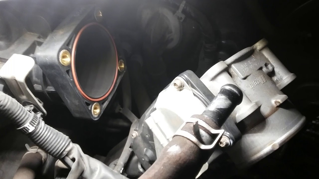 07 Mitsubishi Outlander V6 / Tune up / Replace to New 6 spark plug, 2 Drive  belt, A filter & O/C