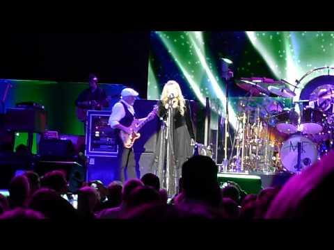 """Fleetwood Mac """"Dreams"""" live @ Paris Bercy 2013"""