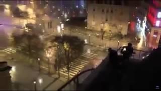paris des snipers en position de tir sur larc de Triomphe (gilet jaune vs police crs)