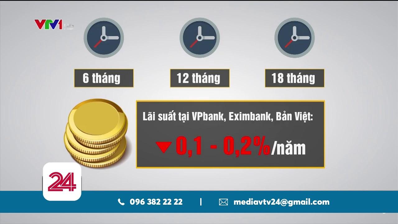 Vì sao ngân hàng giảm lãi suất? | VTV24