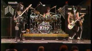 Kiss - Black Diamond (Live Midnight Special 1975)
