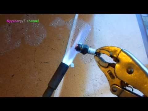 Old Mechanic's Trick - Clean a Spark Plug