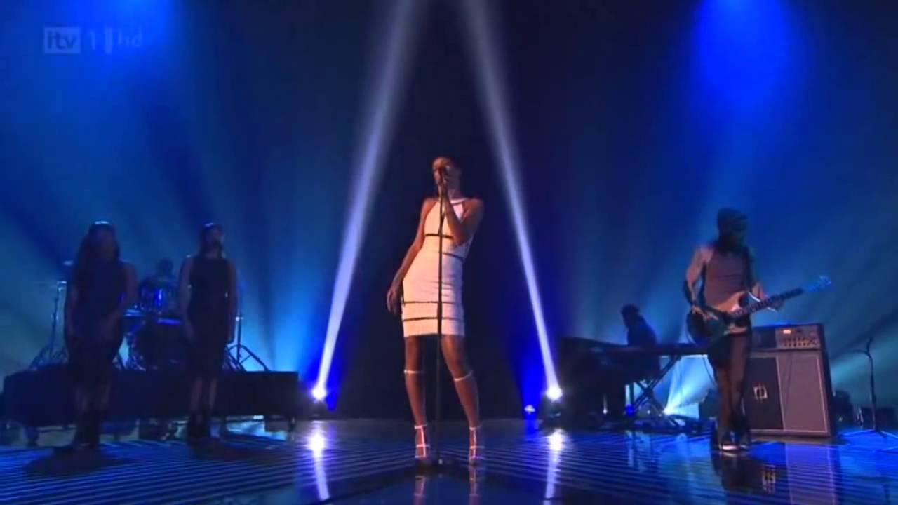 Download Rihanna Stay/We Found Love Live (X Factor Uk 2012) Subtitulado español-ingles