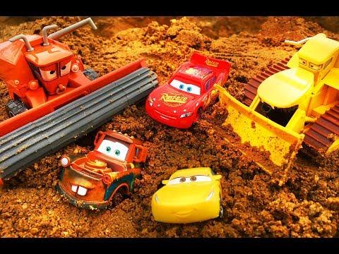 Тачки 3 Мультики про Машинки Молния Маквин Фрэнк и Чуи Cars 3 Lightning McQueen