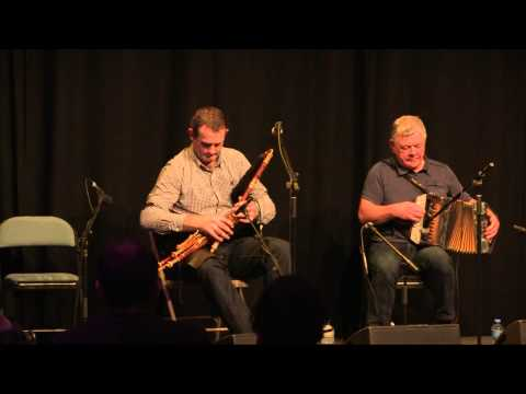 The blackbird, hornpipe ; The chorus, reel / Padraig McGovern ; Peter Carberry