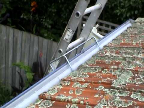 how to clean gutters without using a ladder