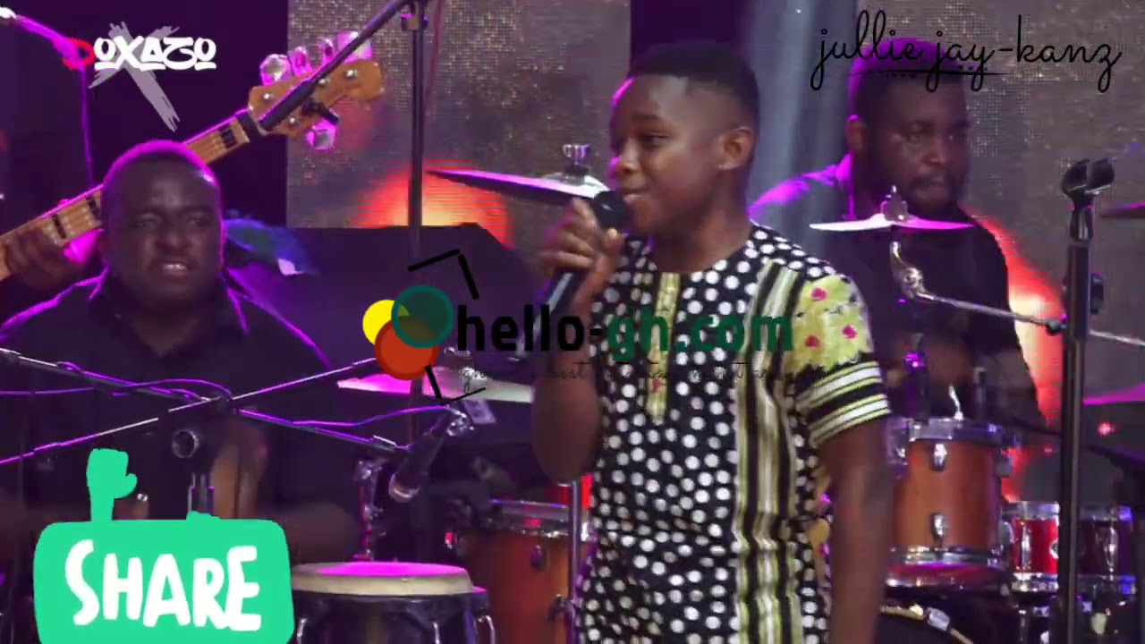 Francis Amo and Nhyiraba Gideon Perform Powerful  Praise Medley Live at Gospel Concert